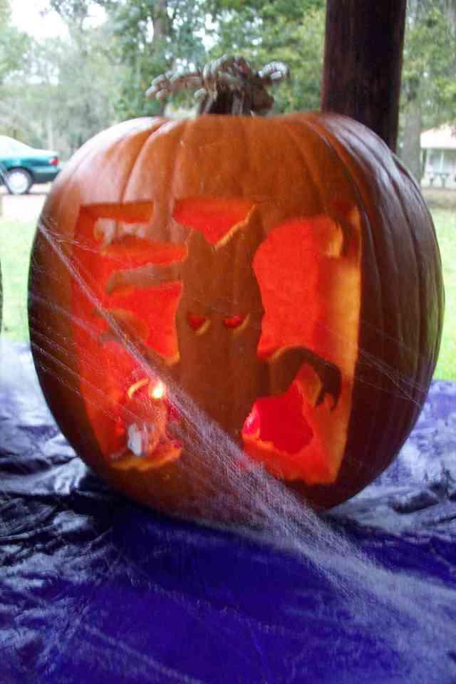 halloween03 tree pumpkin
